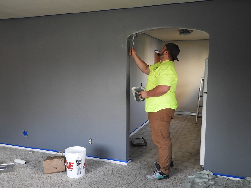 Dallas-property-investors-remodeling-painting